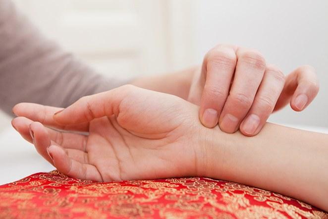 Akupunktio, kiinalainen lääketiede