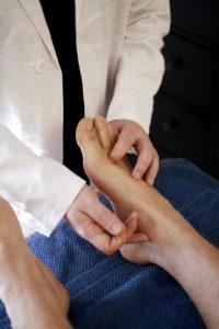 Akupunktiolla voidaan hoitaa myös siitepölyallergiaa