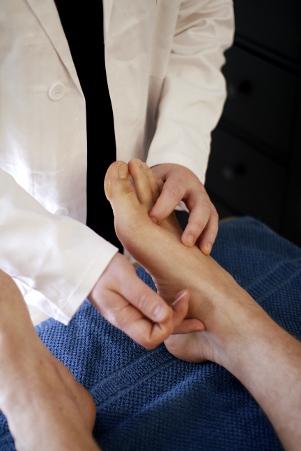 Akupunktiolla voidaan hoitaa monenlaista kipua